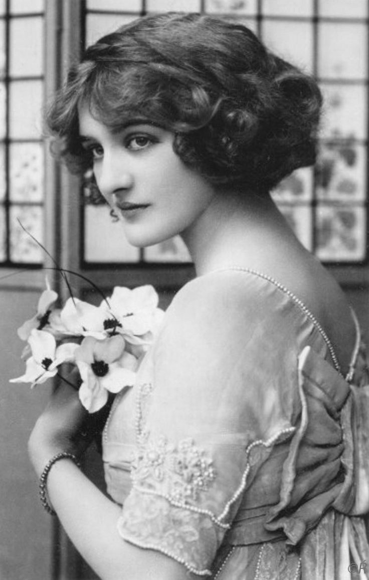 Lily Elsie (1886-1962) - Edwardian Actress and Singer. Circa 1910-1915.