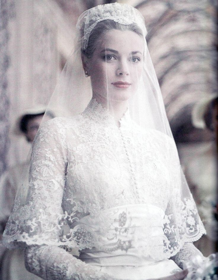 Does every bride wish to be this elegant on her wedding day...yes!!! #tobelikegracekelly