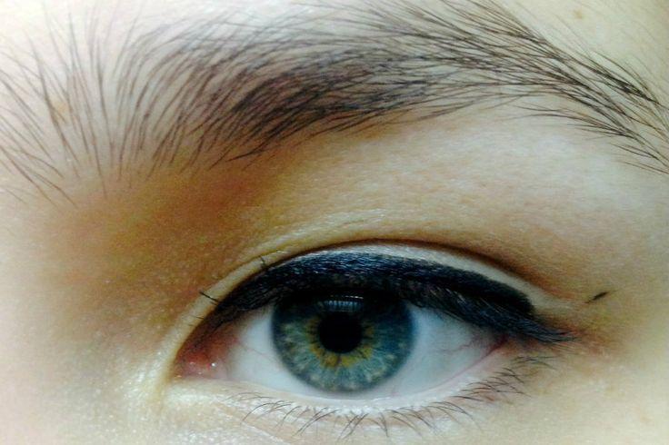 Tutorial: Cómo lograr un perfecto Cat Eye - Belleza.tips
