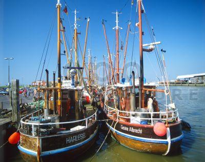 Hafen von Harlesiel - Ostfriesland