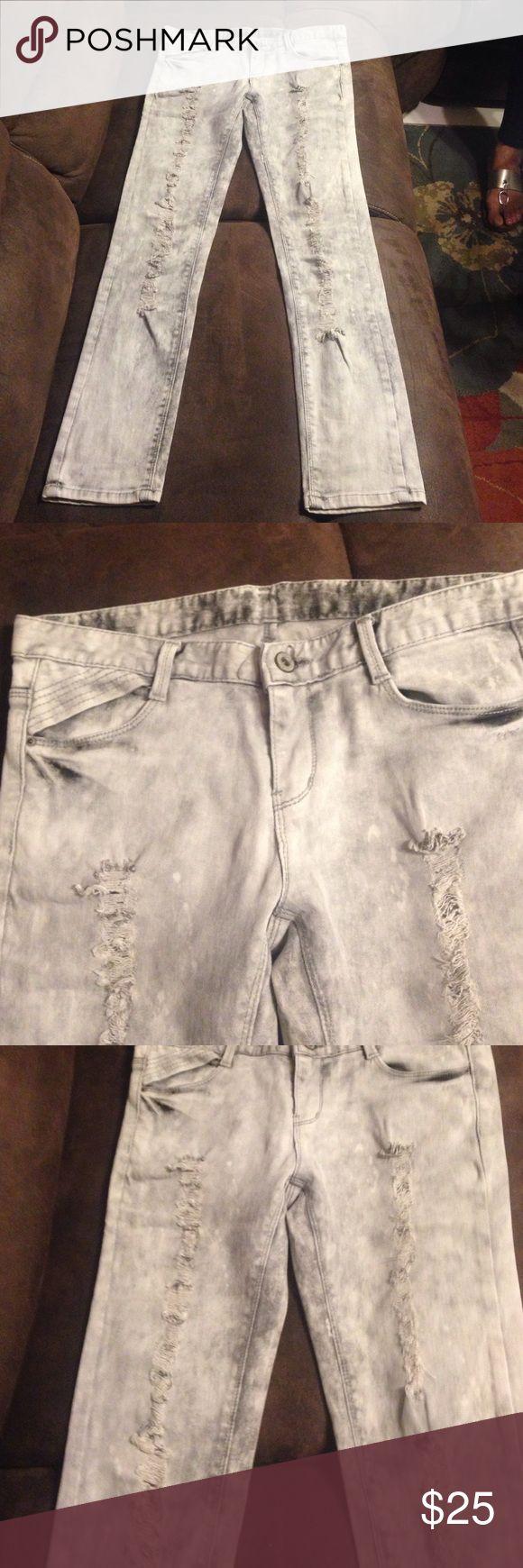 Jeans Light grey ripped jeans worn once Luke like new Jeans
