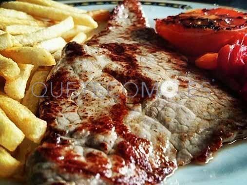 Filete de croca de Ternera Gallega con patatas fritas   Restaurante cafetería A Cabana en Bergondo, A Coruña