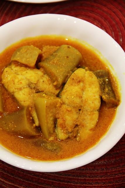 Nyonya Kuah Lada (Fish & Brinjal In Turmeric & Peppercorn Gravy)