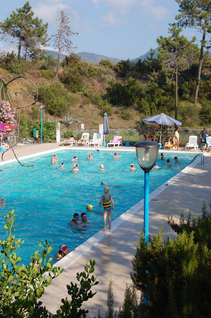 La piscina del Resort La Francesca in Liguria