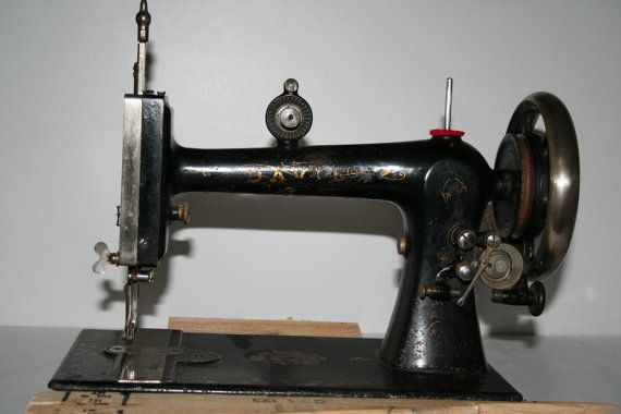 Beautiful Davis Vertical Feed Treadle Sewing Machine Head with Boat Shuttle and Bobbin - Completely Original & unrestored!
