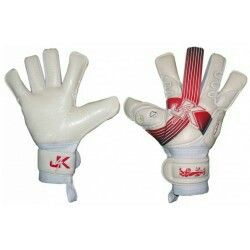 New England goalkeeper gloves www.gloves4keepers.co.uk
