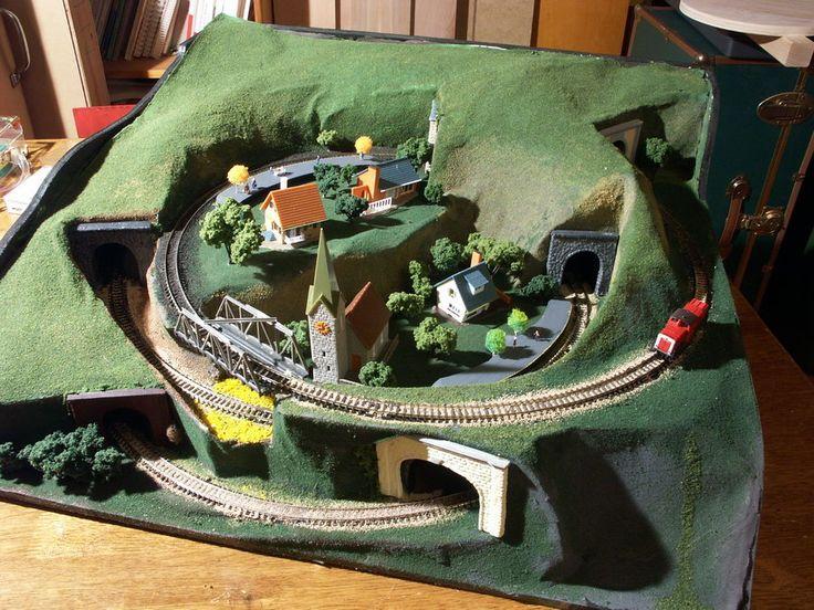 """Pizza Hill"" N-scale Model Train Layout"