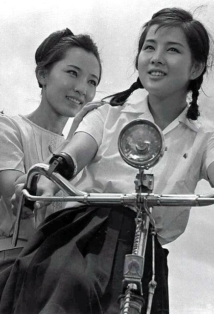 Yoshinaga Sayuri (吉永小百合, at right) 1945-, Japanese Actress