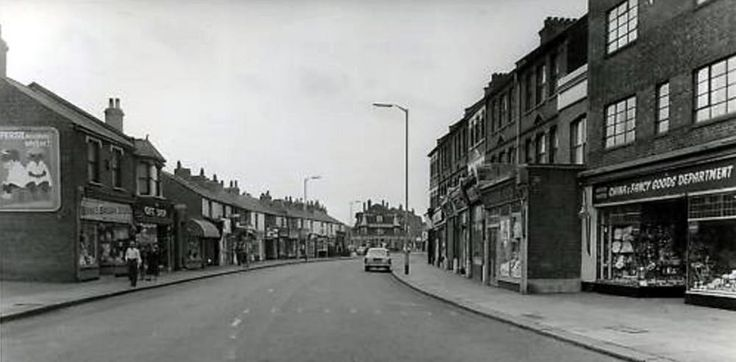 "Hertford Road looking south 1960's. I had a Saturday job for a whole day at a shop I think was called ""Sosners"" on the left at this time. Had me counting 5 quids worth of halfpennies and farthings! I didn't return the next week!"