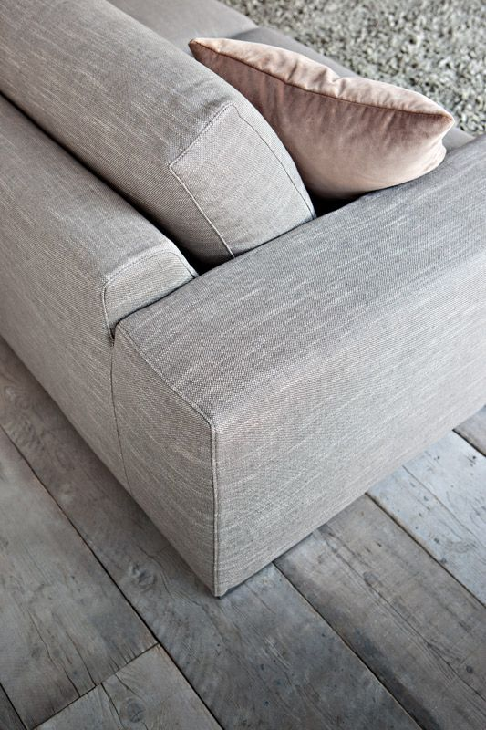 Ciepły kąt  #sofa #internoitaliano #home #design #grey