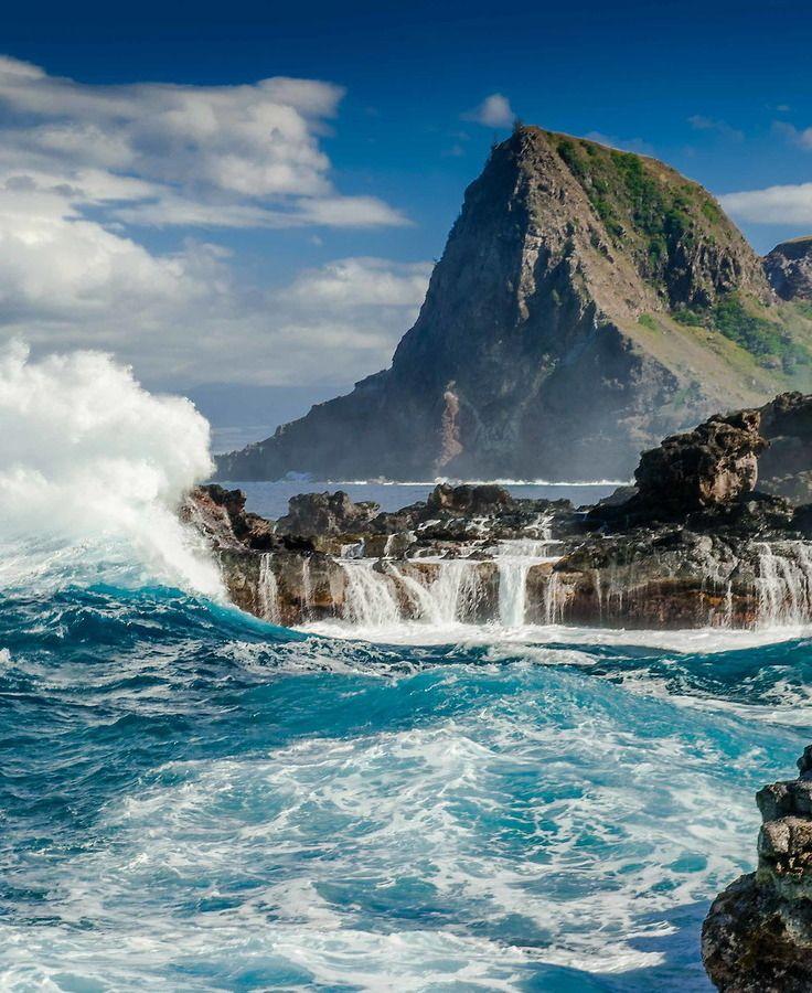 The Maui Coast, Hawaii by Daniel Sullivan