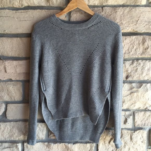 Lululemon Sweater Lululemon Sweater. Great preowned condition lululemon athletica Sweaters
