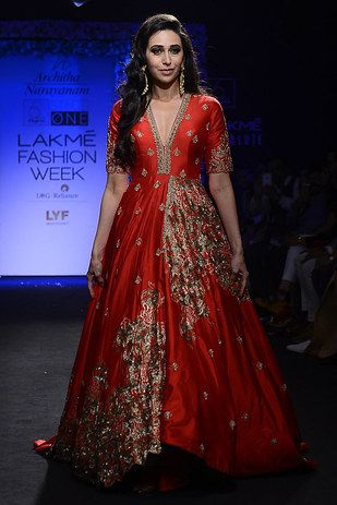 Karisma Kapoor | Here Are All The Bollywood Celebrities Who Attended The Lakmé…