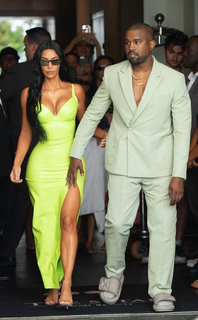 Kim Kardashian Kanye West In Miami Kim Kardashian Kim Kardashian Style Kim Kardashian Kanye West