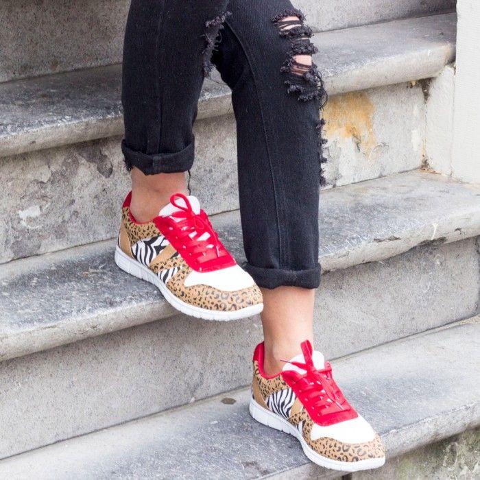 http://www.bastiaanvanschaik.com/2014/11/24/instaglam-luipaard-print-sneakers