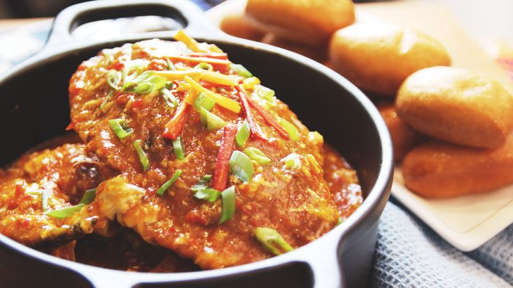 Delicious chilli crabs with thick savoury sauce to tantalize your taste buds and appetite