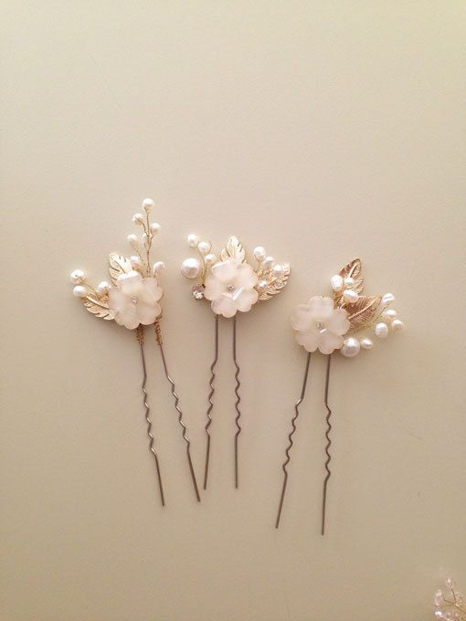 Ivory flowers and pearls bridal hair pins Wedding by amuandpri