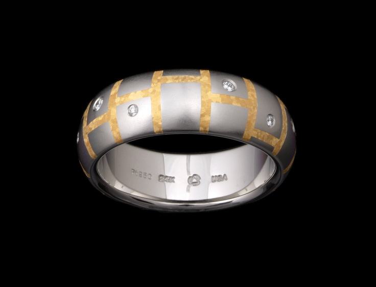 Steven Kretchmer's Tile Band in Platinum, matte finish available in 6.0mm & 7.0mm widths. Featuring pure 24K fine crystallized Yellow Gold inlay and ten Diamond melee stones 0.08ctw.