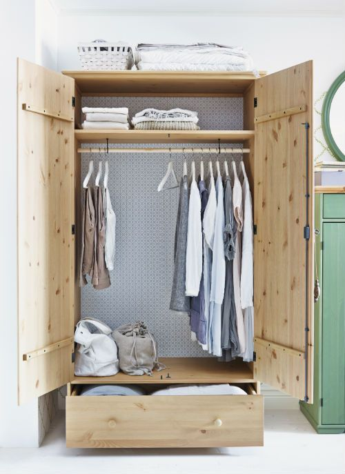 Prioritize the one room in your home that's completely devoted to you! Choose well-crafted clothing storage like HURDAL that you'll enjoy waking up to for years.