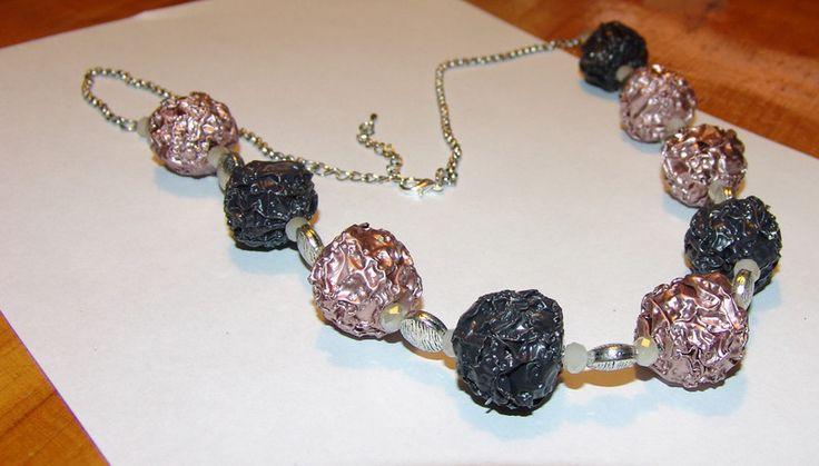 Ketten lang - Halskette lang Nespresso grau-rosé - ein Designerstück von Bianca-Schinagl bei DaWanda