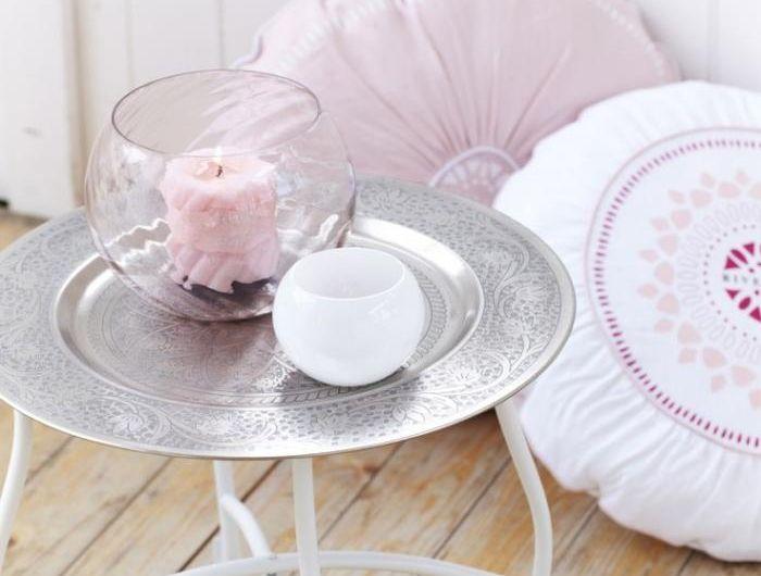 les 25 meilleures id es de la cat gorie vase boule sur pinterest centres de pi ce de f te d. Black Bedroom Furniture Sets. Home Design Ideas