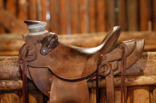 15 inch Dave Hoover Wade Saddle for Sale - For more information click on the image or see ad # 36805 on www.RanchWorldAds.com