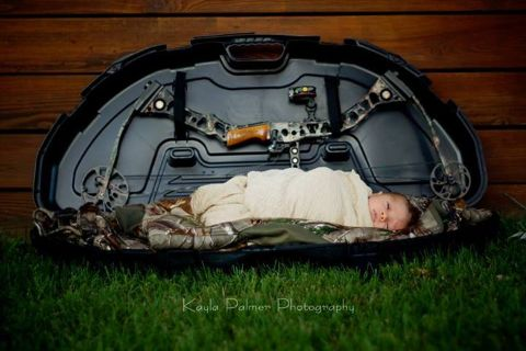 Boy. Newborn. Photo-shoot. Bow. Hunting. Kayla Palmer Photography. wew.facebook.kayla.renee.148.com