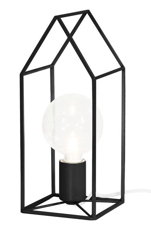 Bordslampa gjord av grafiskt matt tjockt fyrkantsj�rn. Textil kabel med brytare. Ljusk�lla ing�r ej. H�jd 32 cm. Bredd 13 cm. Djup 13 cm. Lamph�llare E27. Max 60W. <br><br>