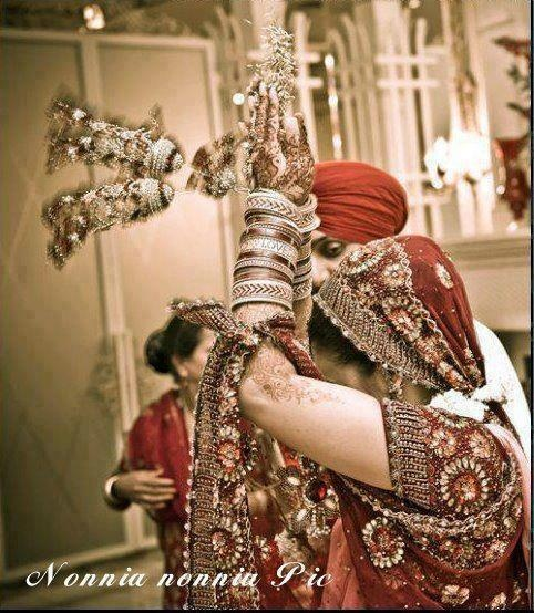 dulhan & dulha indian pakistani bollywood bride and groom desi wedding sikh punjabi #Photography #Weddingplz #Wedding #Bride #Groom #love #Fashion #IndianWedding  #Beautiful #Style