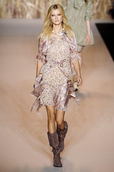 Fashion thin fabric flowing dress Anna Sui Spring 2011
