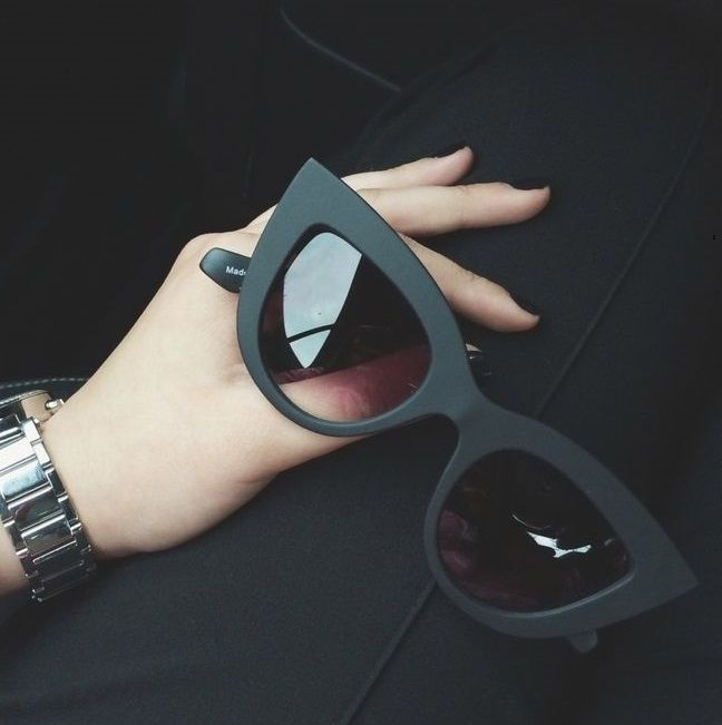 It's pretty cool(: / RayBan Sunglasses.$12.55! Holy cow, I'm gonna love this site!!!