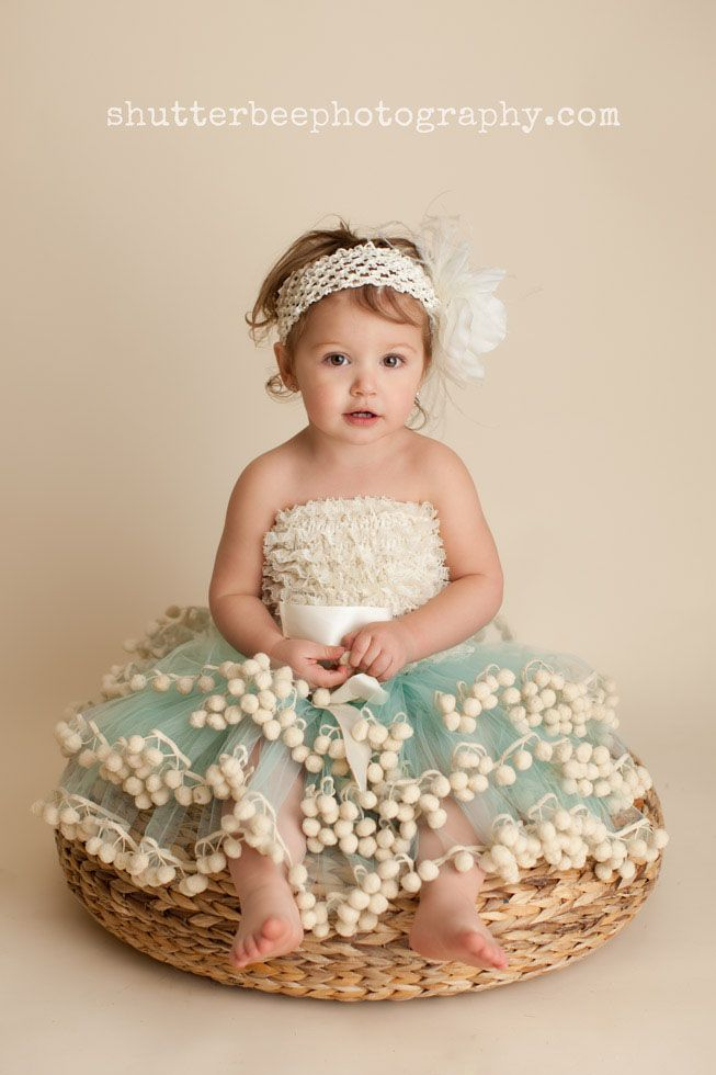 Love her skirt,,,this would be so cute for a wedding,photo op or birthday party ~ aw too cute!