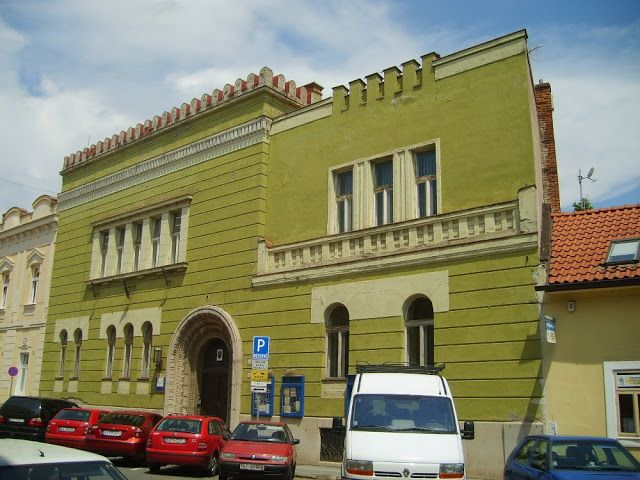 A kassai Resurrexit páholy - ma / The old masonic lodge house in Kosice - nowadays.