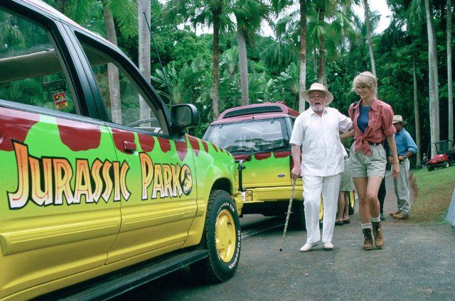 Still of Richard Attenborough and Laura Dern in Jurassic Park.  I've always loved the color of those vehicles.
