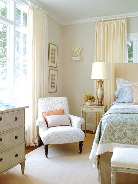 Home and Event Styling - http://meganmorrisblog.com/2014/05/welcoming-guest-bedroom-ideas/
