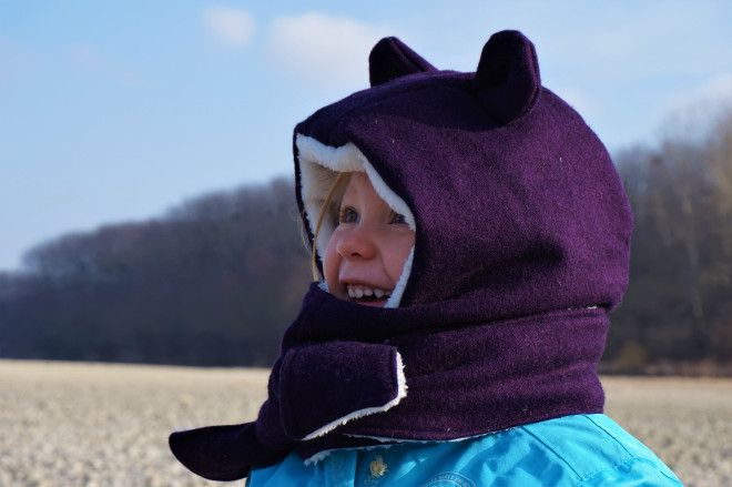 Such a fun hooded scarf with bear-ears!