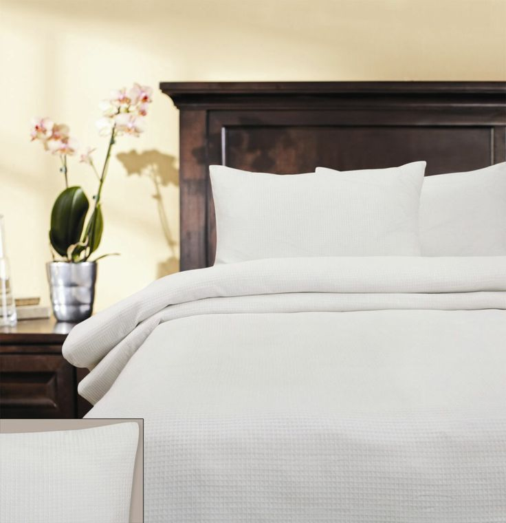 Honeycomb Quilt Cover Set. Easy Care Polyester/Cotton Fabric /200gsm. 225 Thread Count.Set Contains Quilt Cover & Pillow Cases.