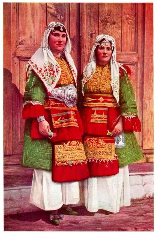 Traditional costumes (Noshna) Macedonia
