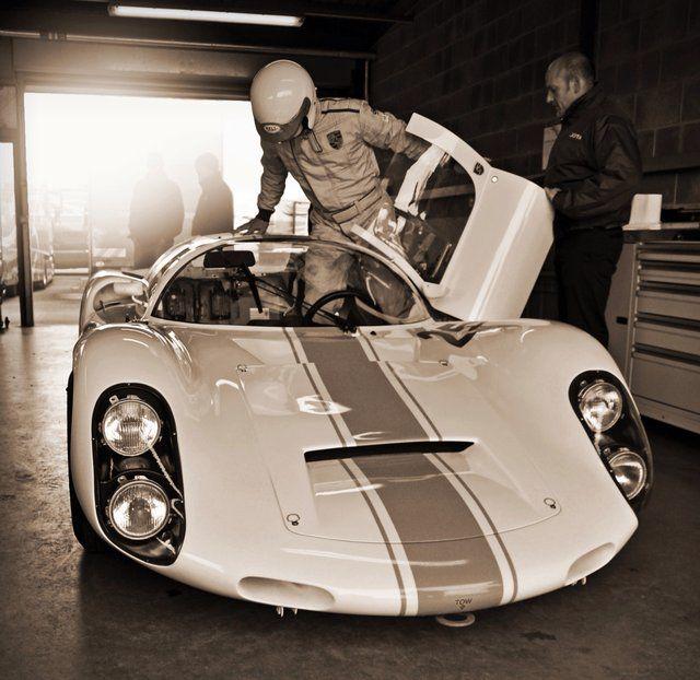 Que belleza dios mio, juro algun dia una replica moderna - 1967 Porsche Carrera 910 Spyder Coupe