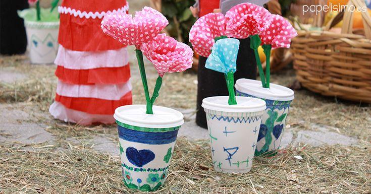 flores-vasos-de-plastico-de-cafe-papel-macetas-manualidades-dia-de-la-cruz