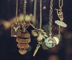 love: Alarm Clocks, Vintage Jewels, Owl Necklaces, Vintage Wardrobe, Vintagenecklac, Fashion Necklaces, Vintage Necklaces, Long Necklaces, Vintage Style