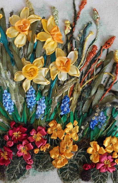 by Beata Andrianova --> So beautiful, and the time it must have taken to create such a realistic bouquet! <--LIZ