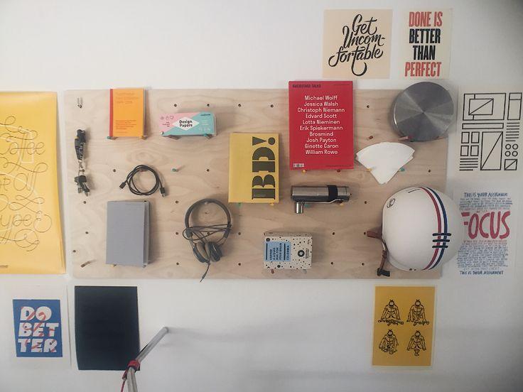 Vyrobte si DIY pegboard pre najkrajší pracovný stôl!