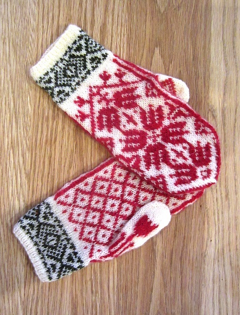 Tulip Mittens pattern by Heike Campbell
