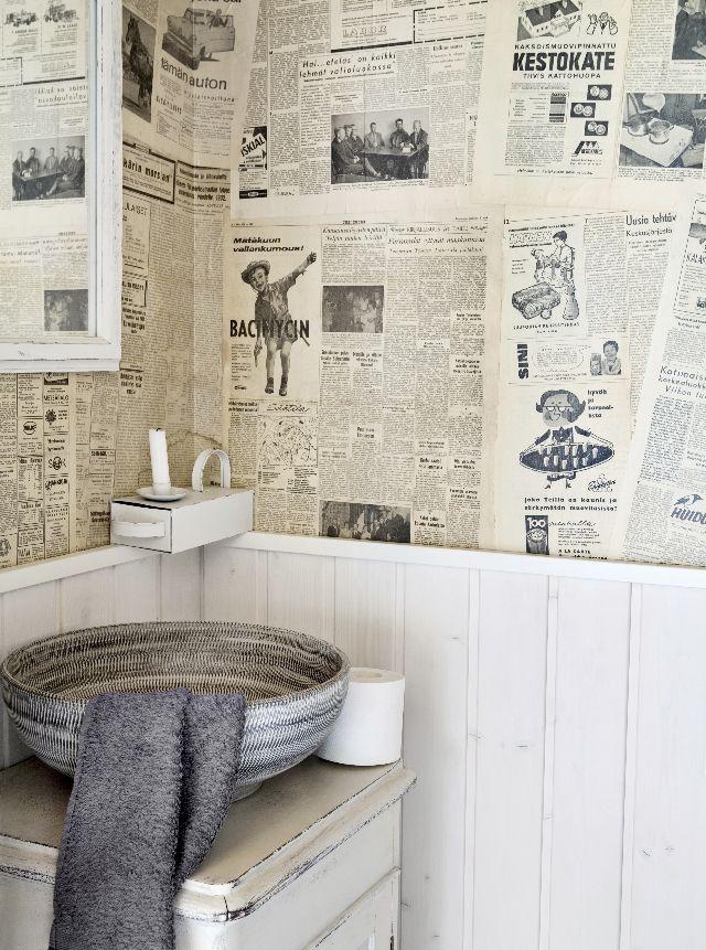 Tässä vessassa lukettava ei lopu.There's a lot to read in this toilet. | Unelmien Talo&Koti Kuvaaja ja toimittaja: Tiiu Kaitalo