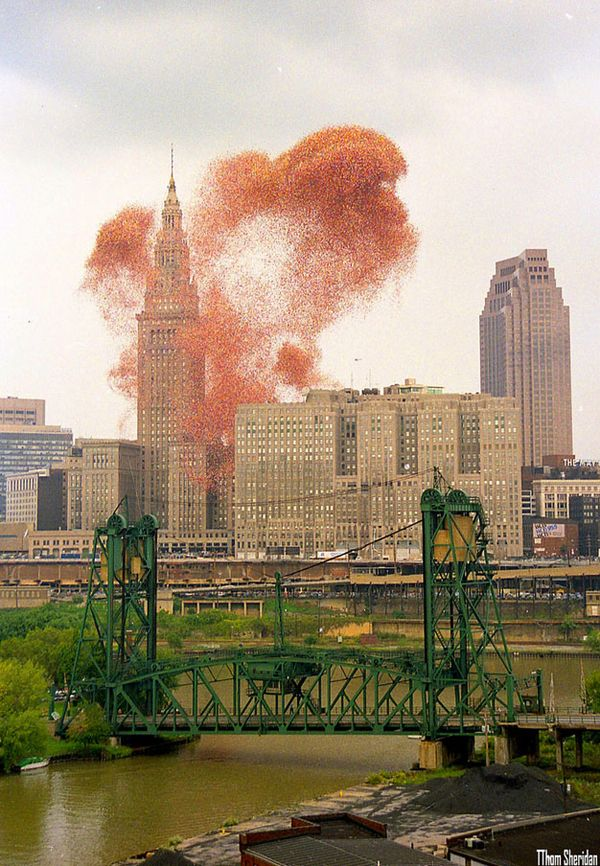 This glowing cloud disrupted life in Cleveland....