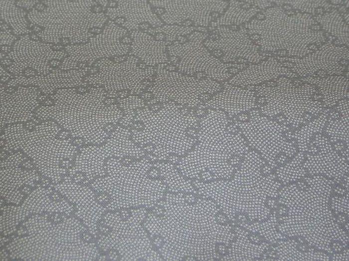 「雪輪」の絽江戸小紋新品反物