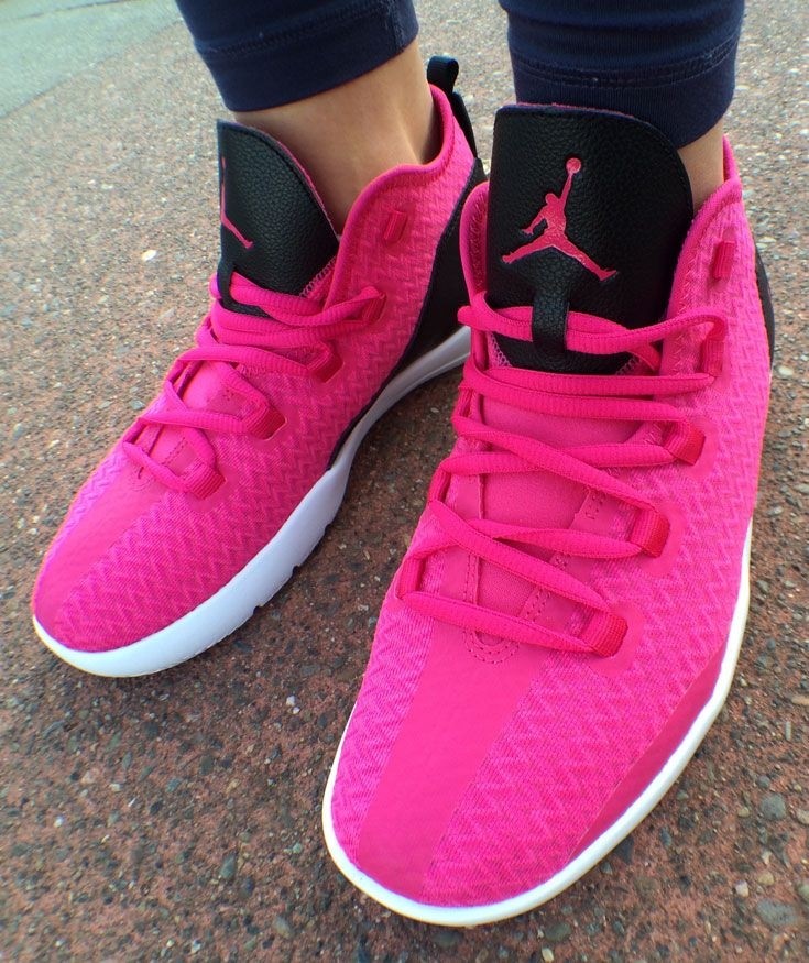 Elevate your off-court style with 7 different colors of the Jordan Reveal for women.