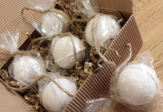 Natural Mini Bath Bombs Fizzies, Gift Box or Singles - with pure Essential Oils, Shea Butter and Botanical Extracts  - Vegan https://www.etsy.com/ca/shop/SkinSafariBotanicals https://www.facebook.com/skinsafaribotanicals/ http://www.skinsafaribotanicals.com/