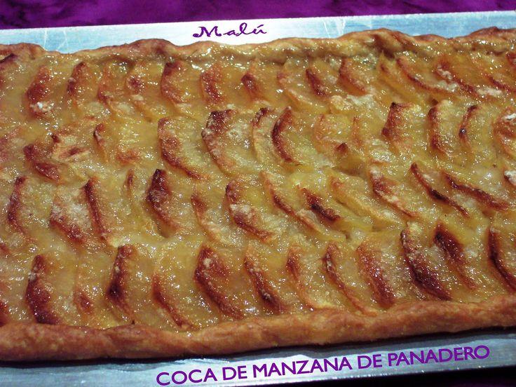 """Esta coca de manzana """" coca de poma """" es muy típica en los pueblos de Castellón. La hacen en las panaderías, que yo recuerde, de toda la vid..."""